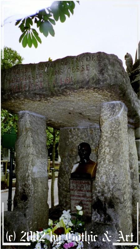 Pere-Lachaise_2003_25.jpg
